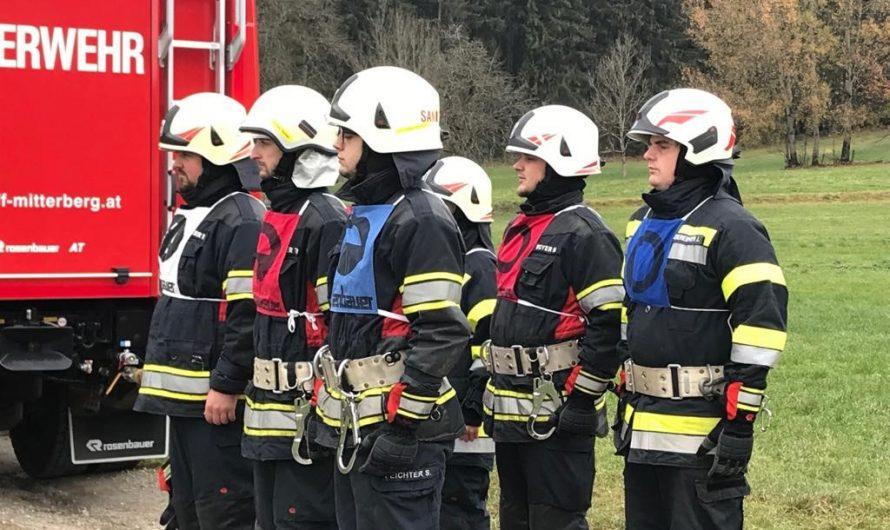 Branddienstleistungsprüfung und Ehrungen